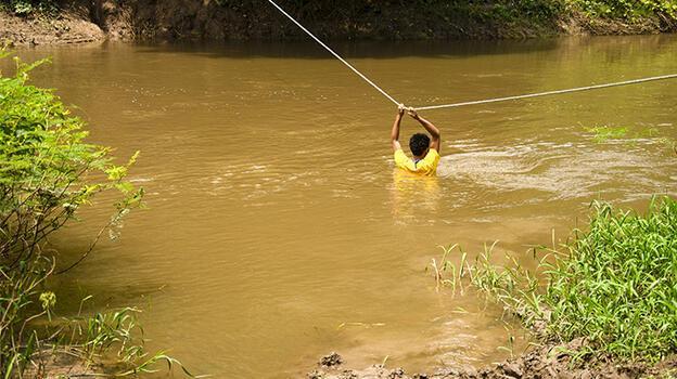 Kolombiya'daki halk temiz su bulmakta zorlandıklarını söyledi