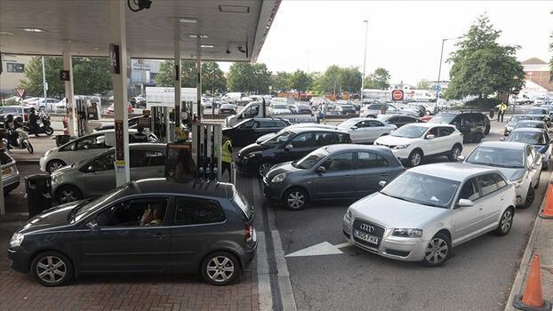 İngiltere'de şoför krizi imalat, gıda ve enerji sektörlerine yayılıyor