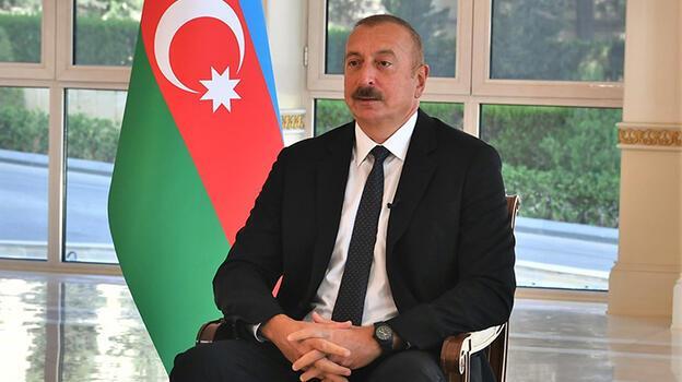 Aliyev gözyaşlarını tutamadı