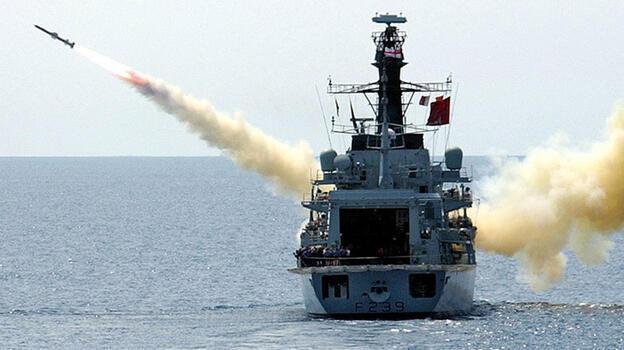 Son dakika... Tansiyon yükseldi! İngiliz savaş gemisine Çin'den sert tepki