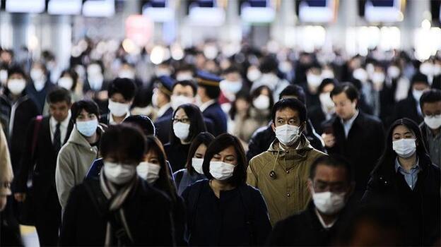Japonya ülkeye girişlerde Kovid-19 karantina koşullarını hafifletiyor