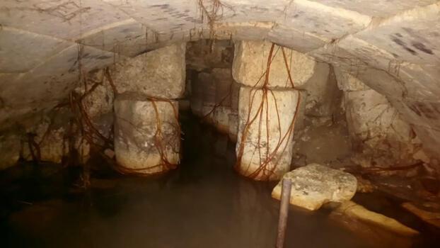 Roma döneminden kalma çeşmenin içinde ayrı bir tarihi yapı bulundu