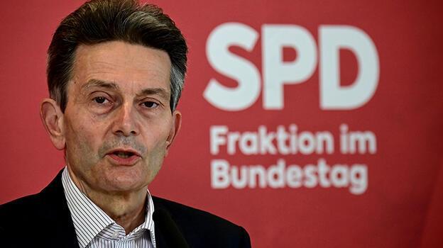 Almanya'da koalisyon için ilk adım atıldı