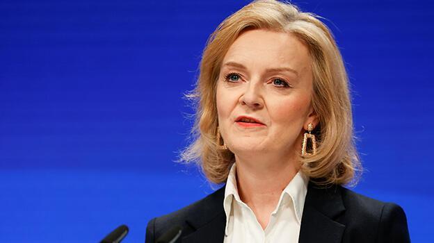 İngiltere Dışişleri Bakanı: Kadınlar dışarı çıkmaktan korkuyor