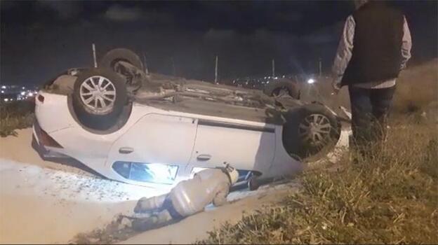 Refüje çıkan araç takla attı: 2 yaralı