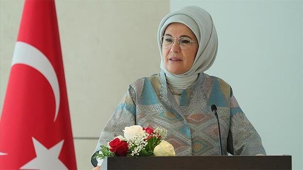 Emine Erdoğan'dan 'Dünya Kız Çocukları Günü' paylaşımı