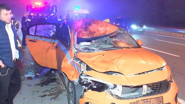 Eyüpsultan'da taksi ata çarptı! At öldü 2 kişi yaralandı