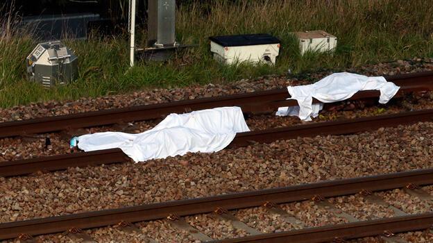 Fransa'da tren göçmenlere çarptı