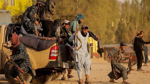 Merkel'den Afganistan'da açıklaması: Kaosunu izlemek uluslararası toplumun amacı olamaz