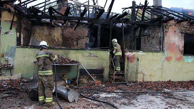 Uşak'ta yangında 1 kişi hayatını kaybetti