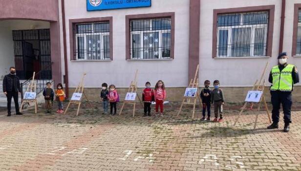 Jandarmadan köy okulunda trafik sergisi