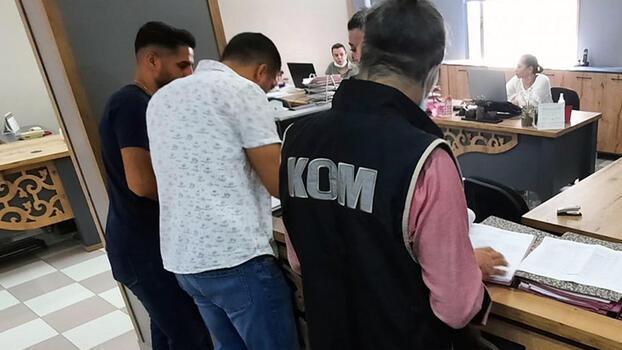 Sahte Schengen vizesi hazırlayan baba-kıza gözaltı