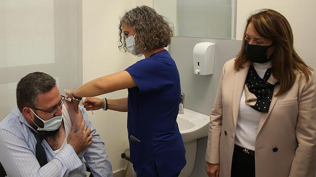 TURKOVAC için yeni gelişme! Gönüllüler aşılarını oldu
