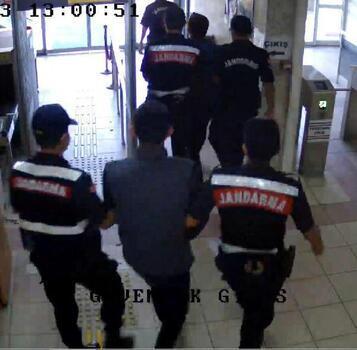 Kablo hırsızları jandarma ekiplerince yakalandı