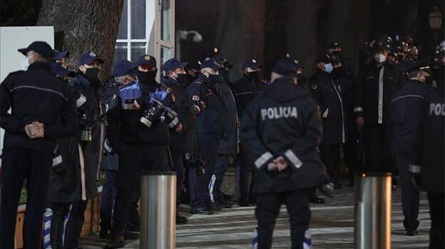 Arnavutluk'ta 4 Rus ölü bulundu