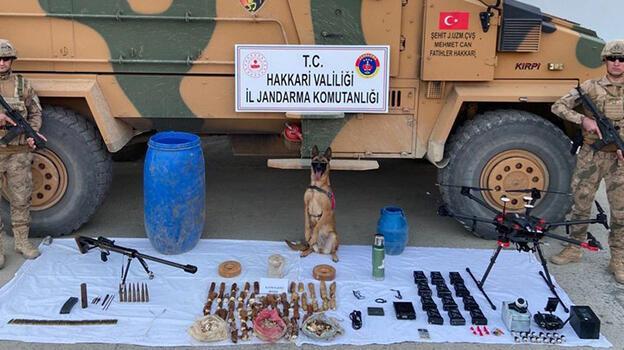 PYD/YPG'ye verilen TIR dolusu silahların bazıları Hakkari kırsalında ele geçirildi