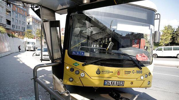 İETT otobüsünün freni boşaldı! Faciadan dönüldü