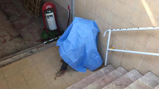 Manisa'da bir kişi, sandalyede otururken hayatını kaybetti