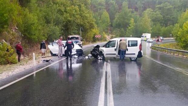Akseki'de trafik kazası: 6 yaralı
