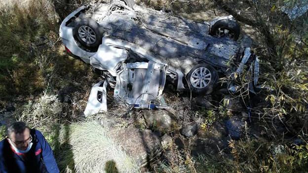 Bolu'da otomobil dere yatağına düştü: 2 ölü