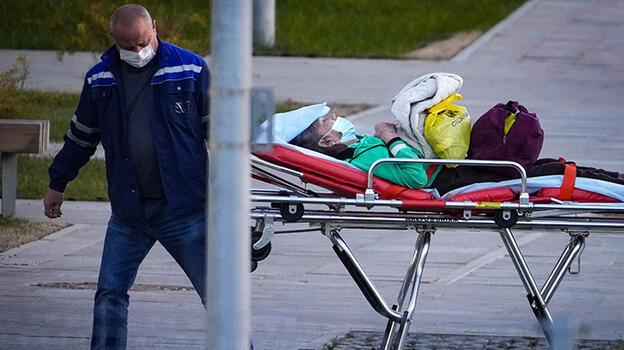 Rusya'da günlük korona ölümleri ilk defa bini aştı!