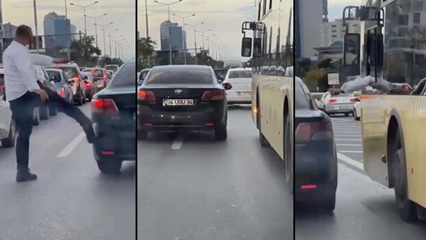 D-100 Karayolu'nda şerit kavgası! İETT şoförü otomobili tekmeledi