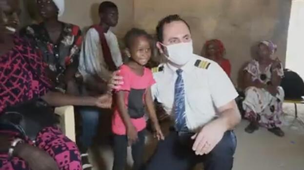 THY ekibi, Afrika'da güneş kremiyle 'hayat kurtarıyor'