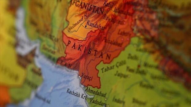 Pakistan'da evde çıkan yangında facia