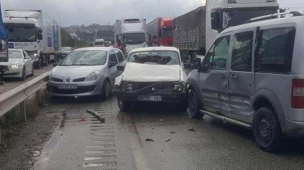 Zincirleme trafik kazası! Yaralılar var
