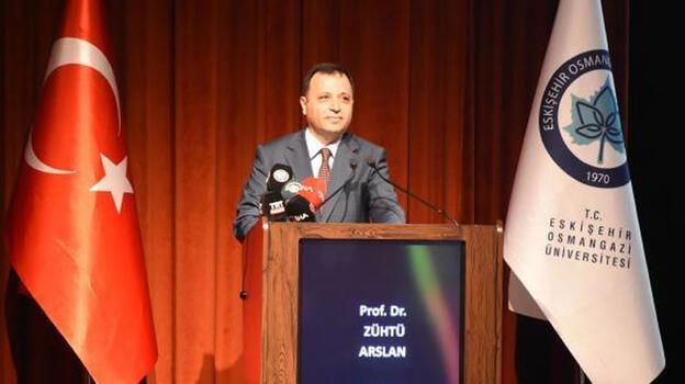 AYM Başkanı Arslan'dan üniversiteli gençlere: Aklınızı ve beyninizi kiraya vermeyin