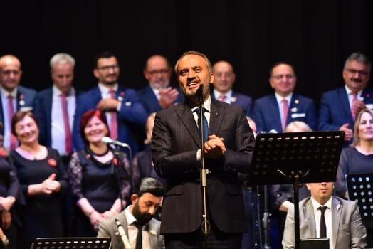 Muhtarlar Korosu'nun solisti Bursa Büyükşehir Belediye Başkanı Aktaş oldu