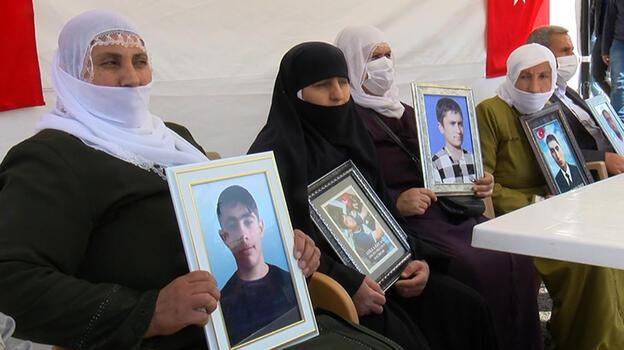 Muş'taki evlat nöbetine 2 aile daha katıldı