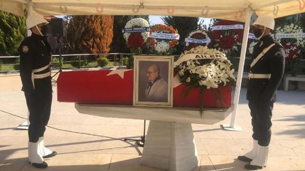 Prof. Dr. Oğuz için Marmara Üniversitesi İlahiyat Fakültesi Camii'nde tören düzenlendi