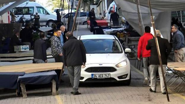 Avcılar'daki pazarda yine otomobil unutuldu