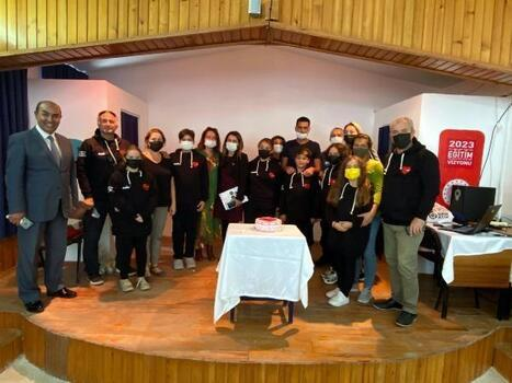 Datçalı öğrenciler, eğitim için Çek Cumhuriyeti'ne gitti