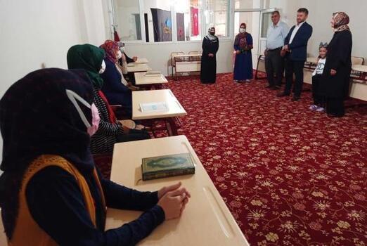 İşitme engelli öğrenciler, işaret diliyle Kur'an öğreniyor