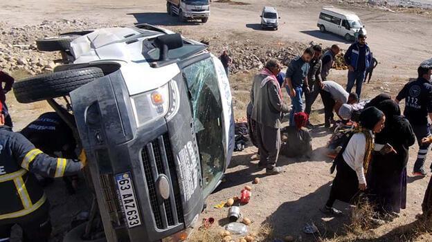 Nevşehir'de tarım işçilerinin minibüsü devrildi: 12 yaralı