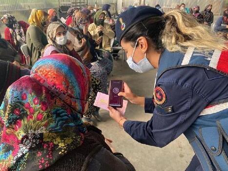 Eskişehir'de, kadın tarım işçilerine 'KADES' mobil programı tanıtıldı