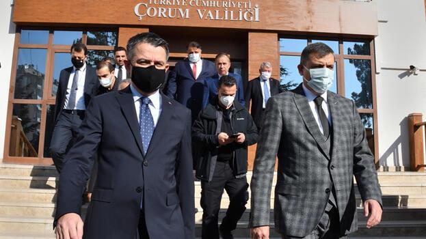 Bakan Pakdemirli, Çorum'da tarım sektörü temsilcileriyle buluştu