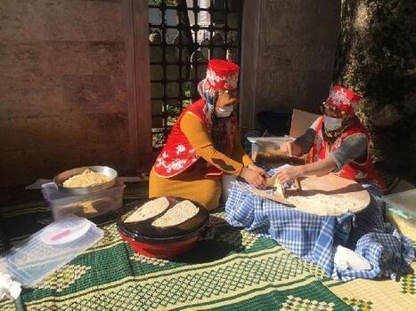 Ev ekonomisine katkı sağlamak isteyen kadınlar 'El Emeği Festivali'nde