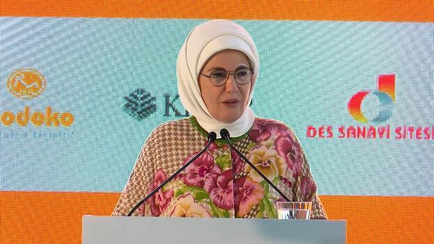 """Emine Erdoğan """"İşim var okula gidiyorum"""" projesinin lansmanına katıldı"""