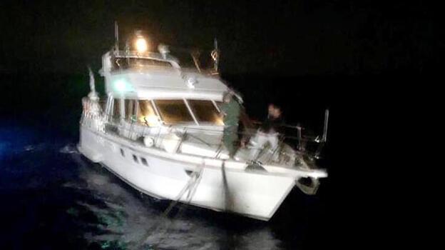 Fethiye açıklarında arızalanan teknedeki 4 kişi kurtarıldı