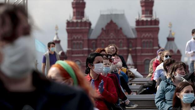 Rusya'da COVID-19'la mücadelede 24 saat: Rekor can kaybı