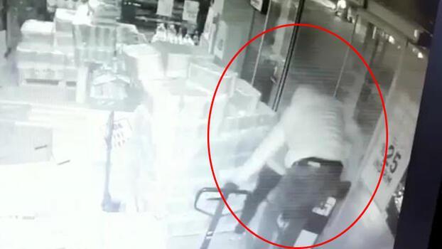 Büyükçekmece'deki market hırsızları kameraya yakalandı!