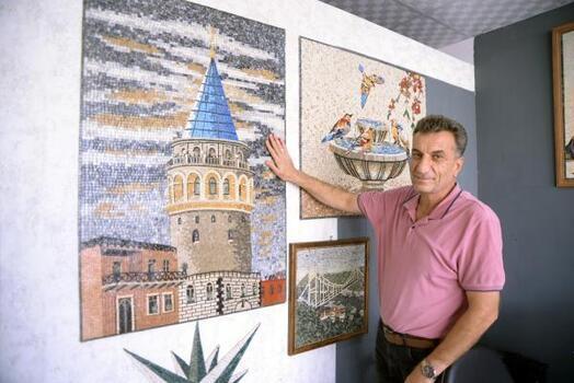 Suriyeli mozaik sanatçısı sanatını Türkiye'de sürdürüyor