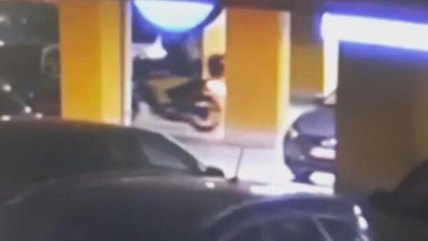 1 haftada 4 motosiklet çalan hırsızlar böyle görüntülendi