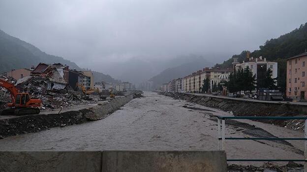 Şiddetli yağış Bozkurt'u sular altında bıraktı