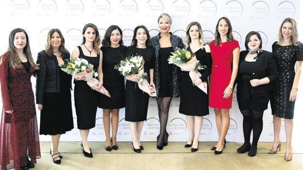 'Bilim Kadınları İçin'  ödülü 4 genç kadının