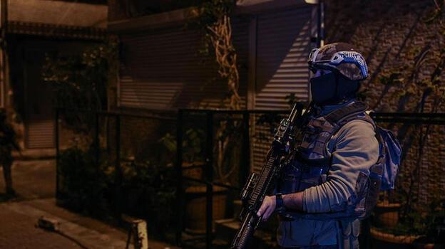 İstanbul'da 21 adrese eş zamanlı operasyon