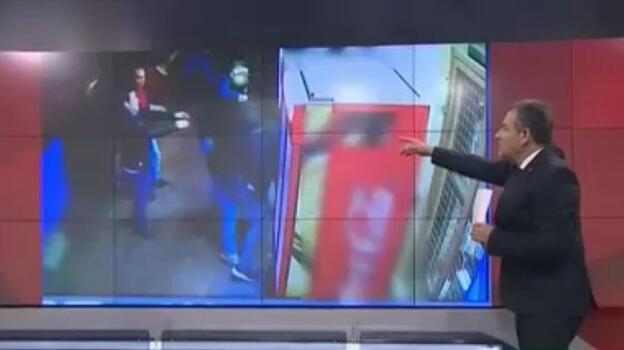 Beyoğlu'nda hareketli anlar! Simitçi-gazozcu polisler iş başında
